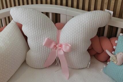Almofada borboleta tricot FAU Erika