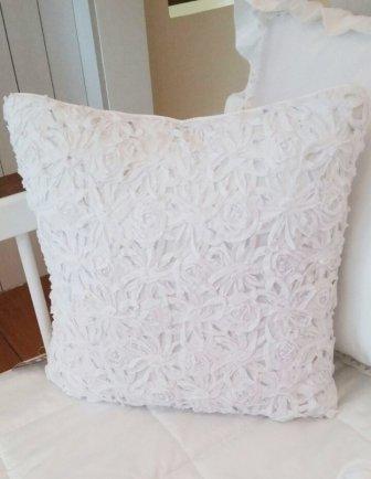 Almofada tecido macramê floral FAU - Maganhoto