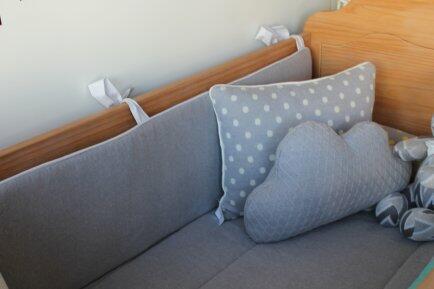 Colcha trico cinza c/forro cama montessoriana FAU