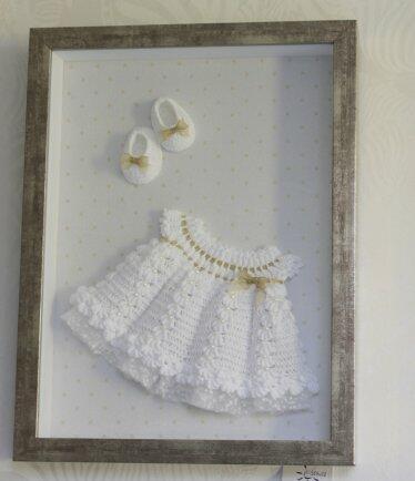 Quadro moldura alta fendi c/vidro vestido