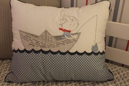 Almofada retangular ao mar navy Vanessa Gui