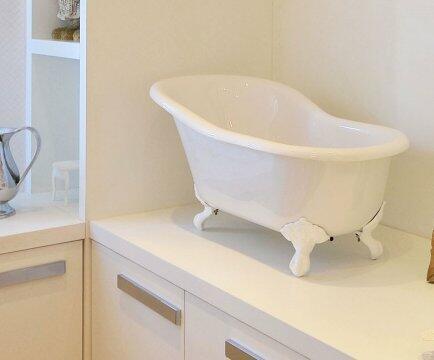 Banheira de bebê pés brancos DOKA DK8031