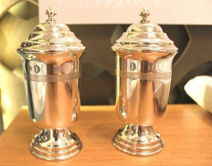 Taça Vick P prata com tampa Santa Rita