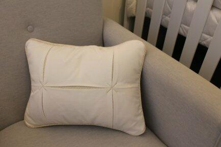 Almofada decorativa modelo X bco/bege Qmama