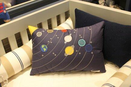 Almofada Sistema Solar 48x32 Interestelar - Biah