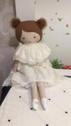 Boneca Bia renda off white ou rosa FAU