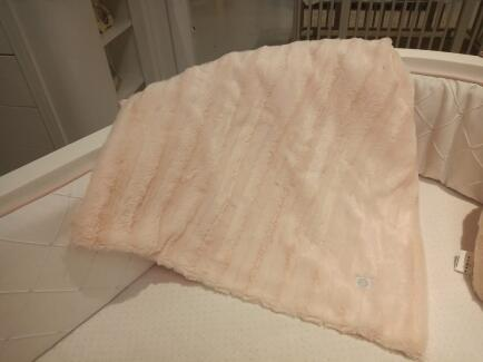 Manta bebê em pelo rosa  60x120 FAU